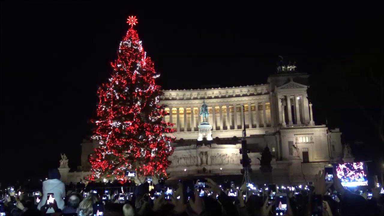Natale 2018 Accesi Albero Piazza Venezia Luminarie Via Del Corso E